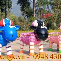 Ghế công viên composite hình chú cừu