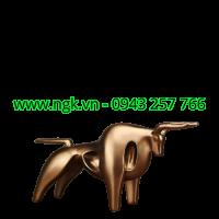 tượng bò tót vàng đồng