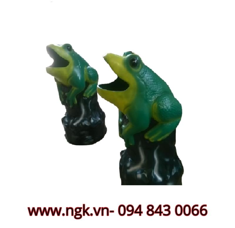 con ếch thùng rác composite chất lượng cao