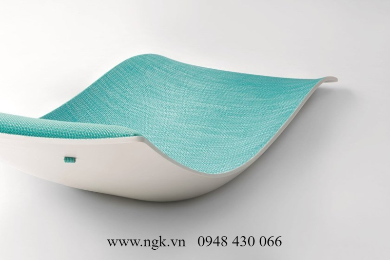 ghế nắm hồ bơi composite