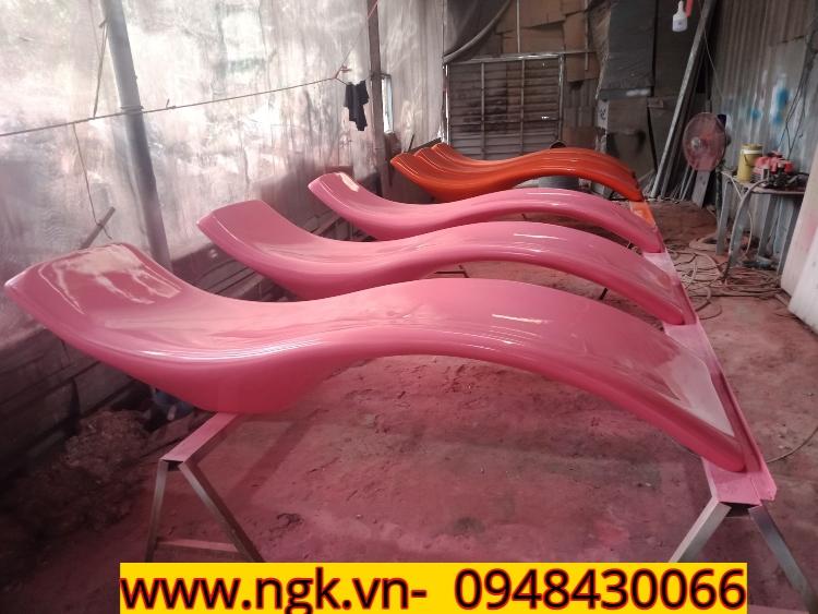 xưởng sản xuất ghế tắm nắng composite